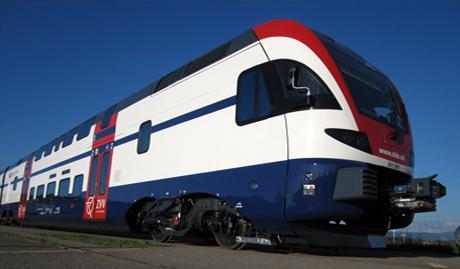 Мотор-вагонный поезд из двухэтажных вагонов